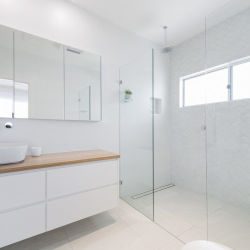 Main Ensuite 500x500 - Custom Home Builders Newcastle